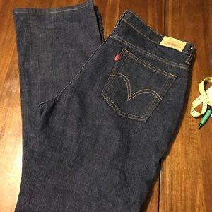 Levi's Relaxed Boot Cut 550 size 14 Medium